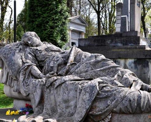 """Екскурсія Львовом """"Личаківське кладовище"""""""