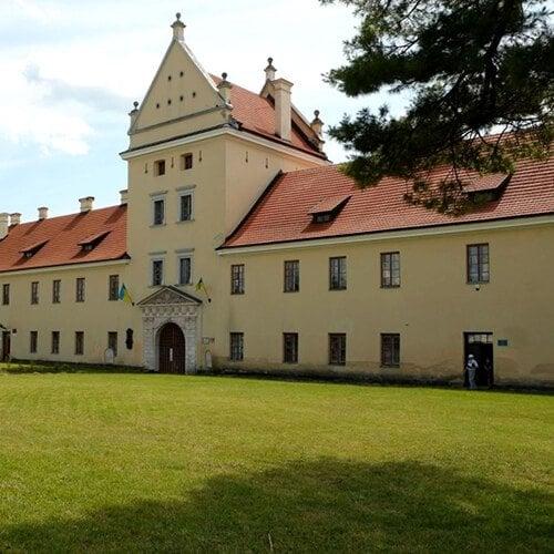 Заміський тур Жовква та Крехівський монастир